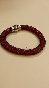 zwarte stardust armband met rode kralen